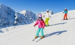 Ski Familie Finnland Winter